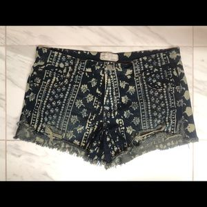 Free People printed jean shorts size: 31